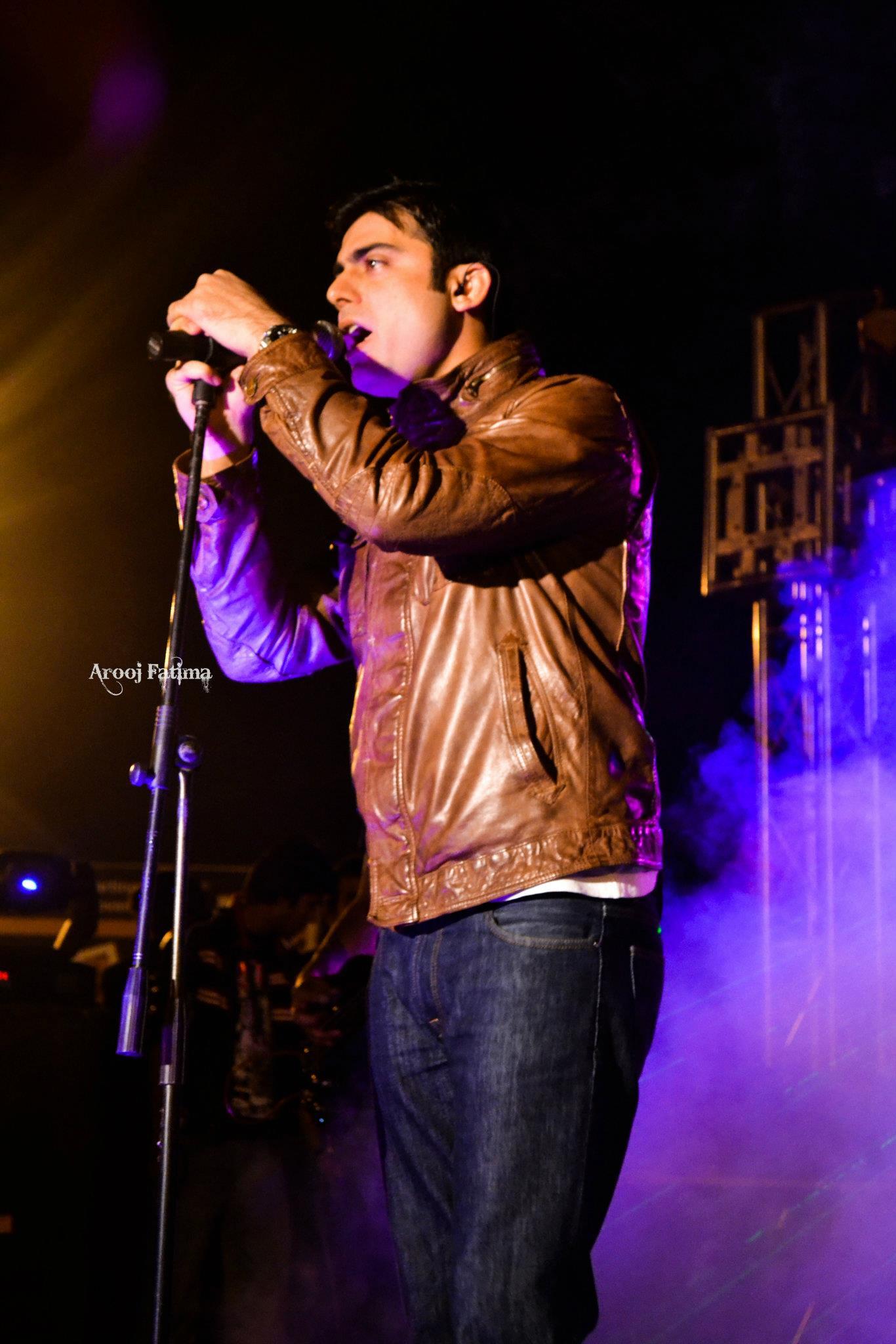 Entity-Paradigm-at-PC-Rawalpindi-25-Nov-2011-10