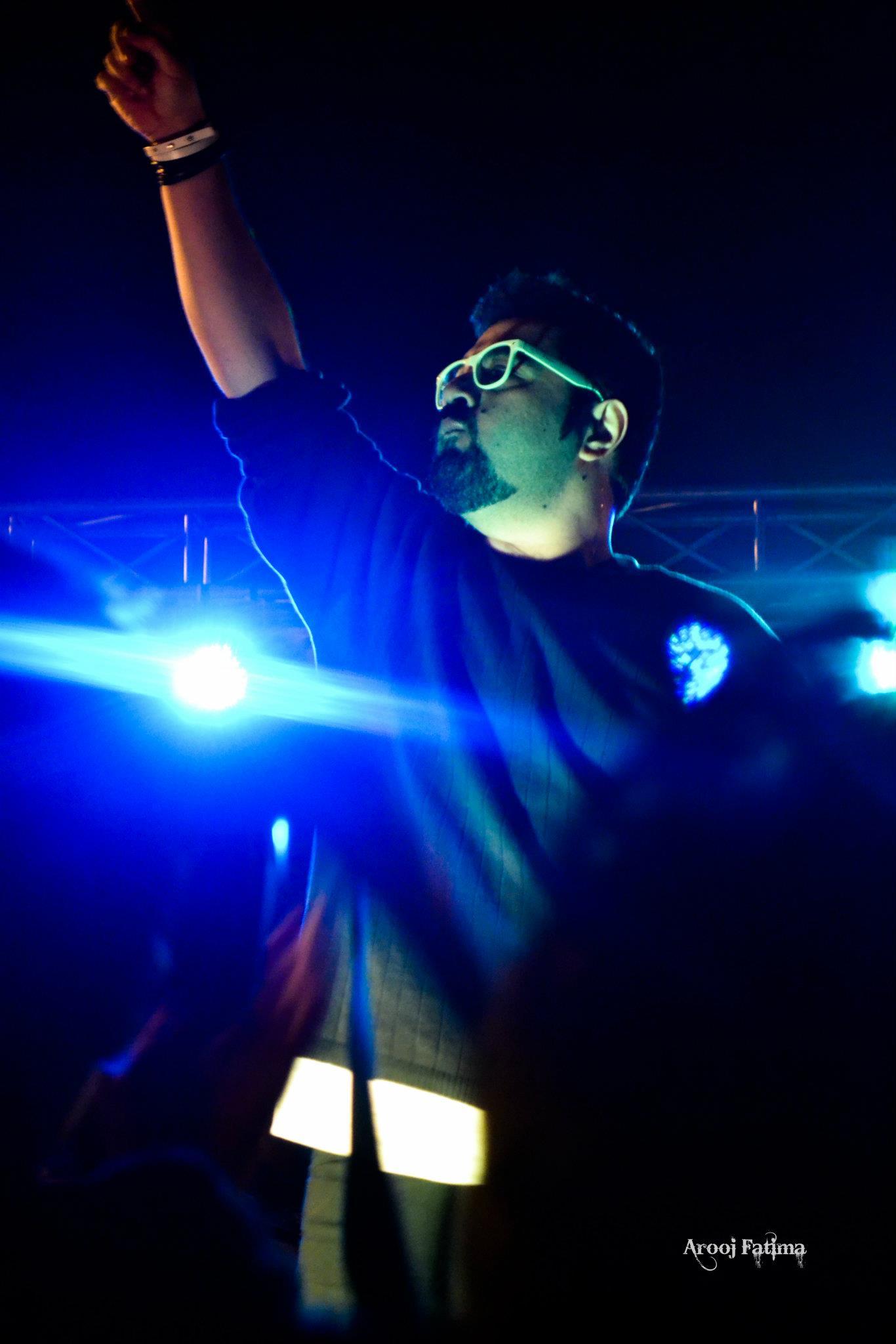 Entity-Paradigm-at-PC-Rawalpindi-25-Nov-2011-13