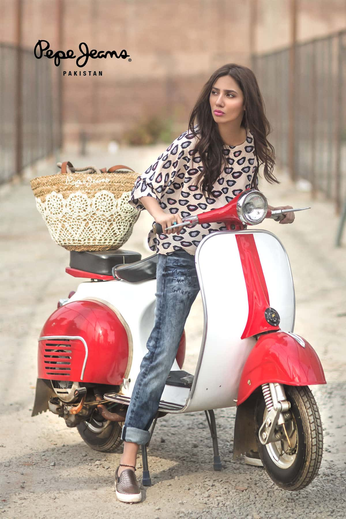 Mahira Khan for Pepe Jeans Pakistan Winter 2015 Campaign – #MKLovesPepe (2)