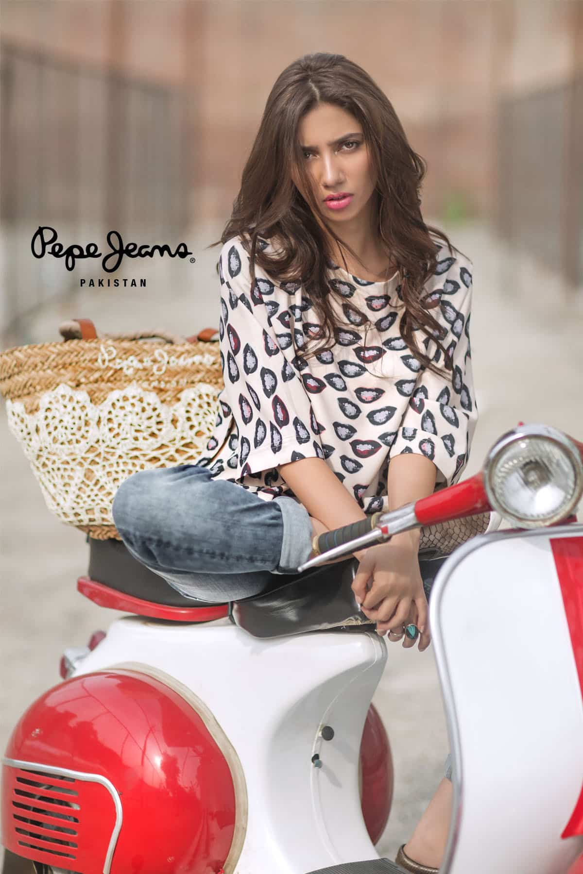 Mahira Khan for Pepe Jeans Pakistan Winter 2015 Campaign – #MKLovesPepe (3)
