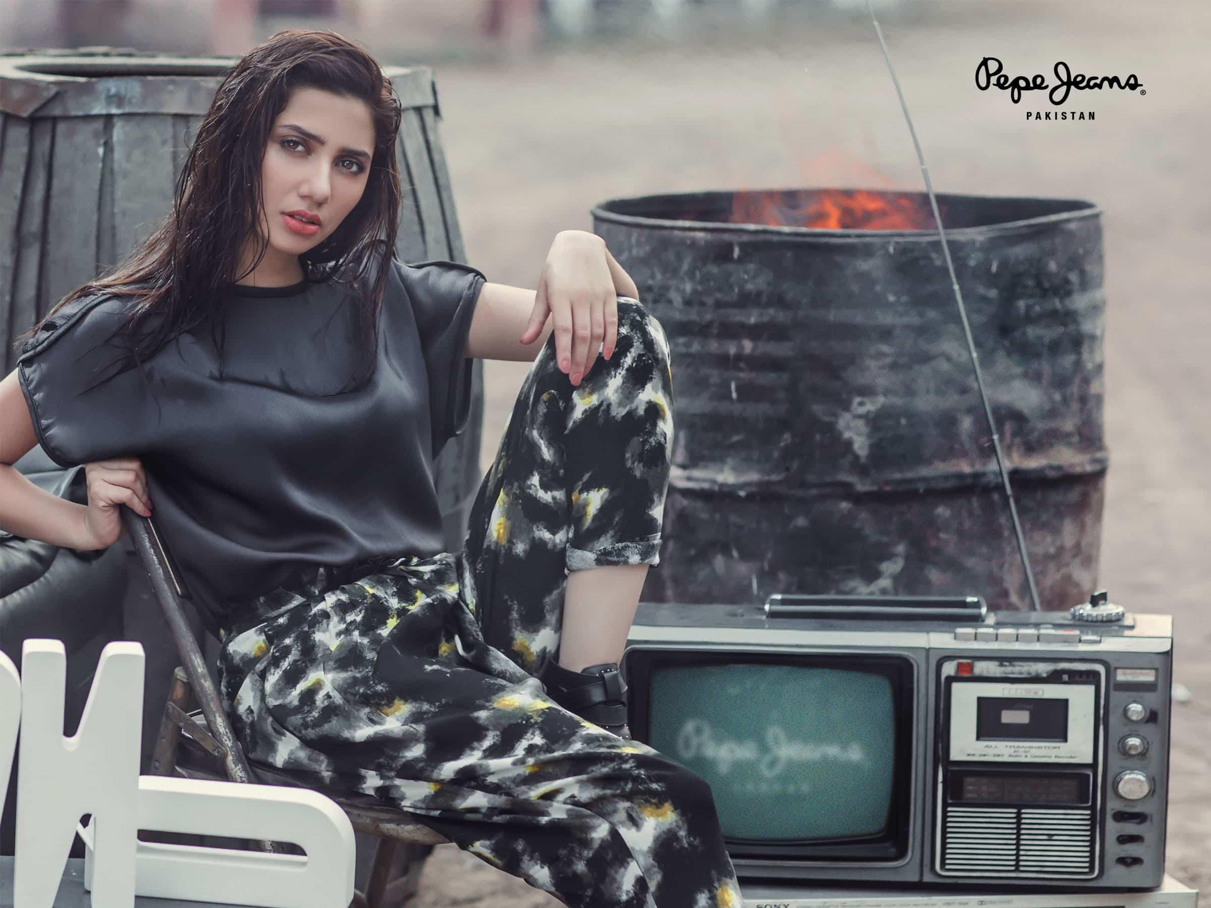 Mahira Khan for Pepe Jeans Pakistan Winter 2015 Campaign – #MKLovesPepe (7)