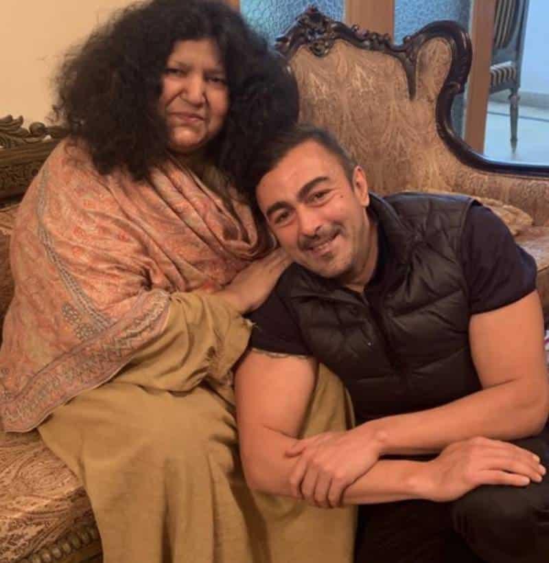 Abida Perveen with Shaan Masood